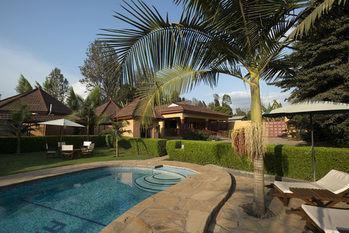 Ahadi Lodge